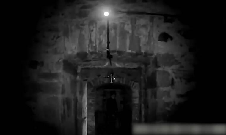 Πήγαν σε στοιχειωμένο κελί - «Τρελάθηκαν» μ' αυτό που κατέγραψαν (video)