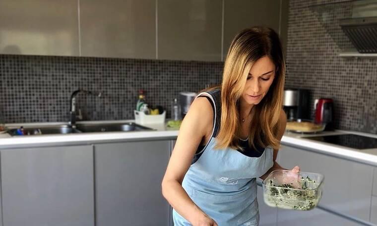 Νοικοκυρά η Κοκκίνου!Μπήκε στην κουζίνα για χάρη του γιου της! Δείτε τι έφτιαξε