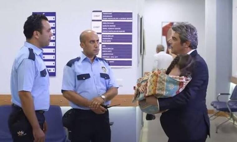 Elif: Με την Ελίφ αγκαλιά, ο Ταρίκ ξεφεύγει από τους αστυνομικούς...