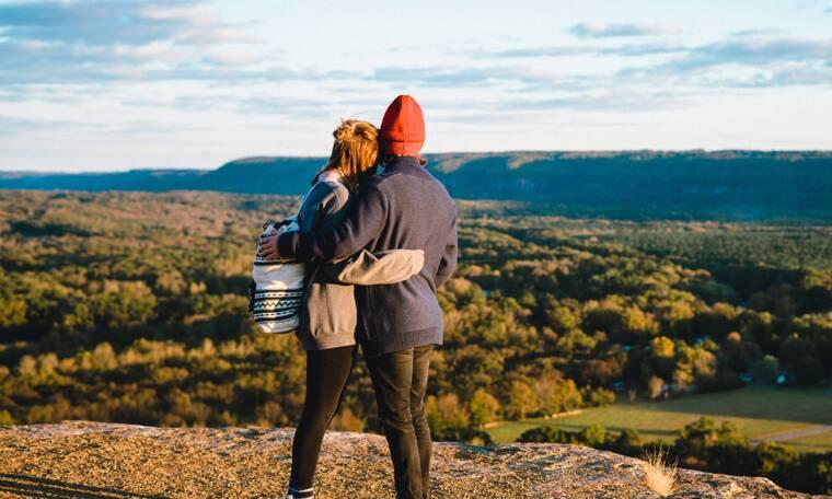 Είσαι single και μελαγχολείς; Αυτή η έρευνα σε αφορά