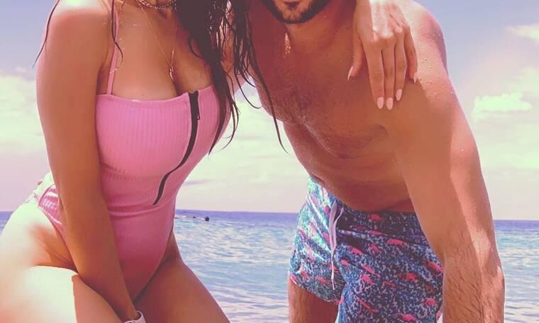 Έκλεισαν 10 χρόνια γάμου και γιόρτασαν την επέτειό τους στην παραλία (pics)