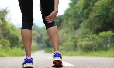 Μήπως αισθάνεστε τα πόδια σας βαριά; Δείτε τι μπορεί να σημαίνει