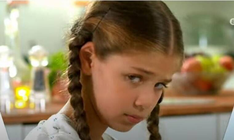 Elif: Η Ελίφ μιλάει πρώτη φορά σε κάποιον στο σπίτι!