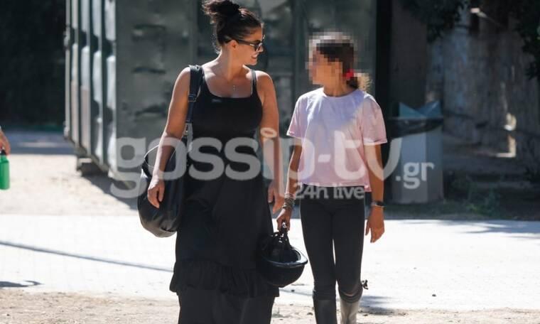 Κορινθίου: Η κόρη της, την έφτασε στο ύψος και μοιάζουν σαν δυο σταγόνες νερό