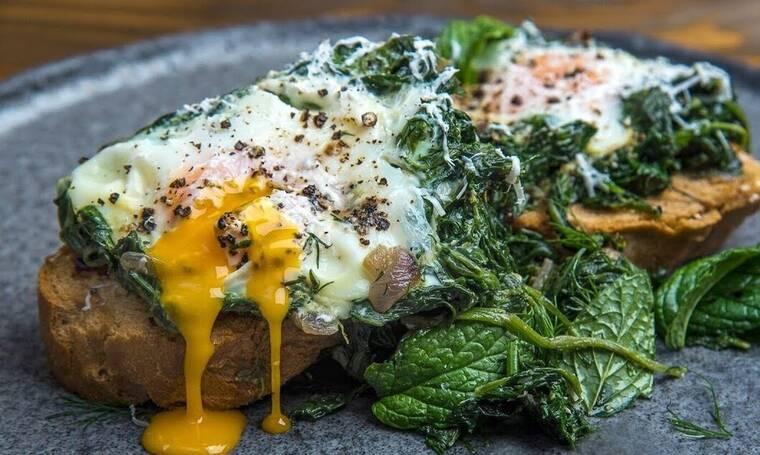 Αβγά φλωρεντίν από τον Άκη Πετρετζίκη