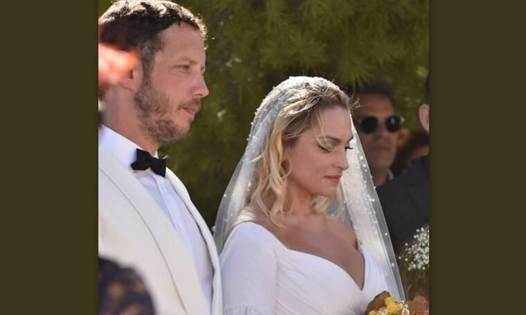 Ζουγανέλη γάμος: Η φωτό από το γαμήλιο γλέντι με την Ελεονώρα να διασκεδάζει