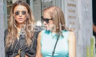 Ελένη Τσολάκη: Για ψώνια με την μητέρα της και άψογο στιλ! (Photos)