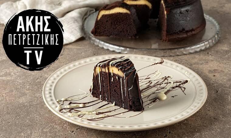 Λαχταριστό κέικ με γέμιση cheesecake από τον Πετρετζίκη!