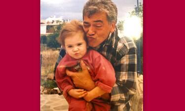 Η φωτό Ελληνίδας τραγουδίστριας με τον παππού της που μας συγκίνησε! (Pics)