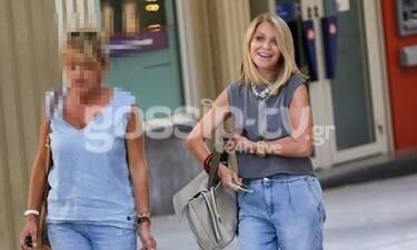 Έλλη Στάη: Η βόλτα με τη φίλη της και τα μαθήματα... στιλ στο Κολωνάκι!