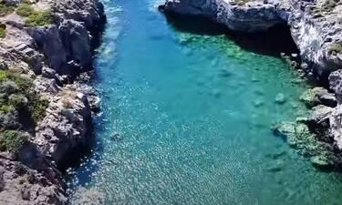 Προλαβαίνεις: Η παραλία με την πιο άγρια ομορφιά είναι δίπλα σου