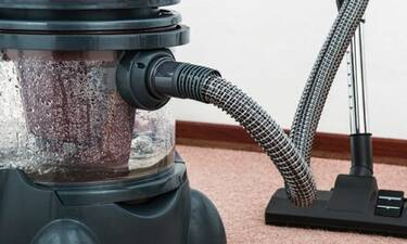 Τι δεν πρέπει ποτέ να ρουφάει η ηλεκτρική σου σκούπα