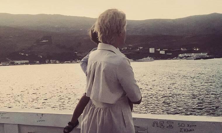 Σία Κοσιώνη: Η νέα φωτό του γιου της είναι απίθανη! Η ζωγραφιά και το σχόλιο
