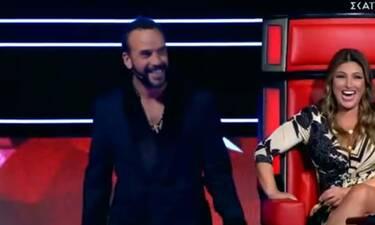 The Voice: Ο ενθουσιασμός του Μουζουράκη όταν είδε την κούκλα παίκτρια - Ούρλιαζε!