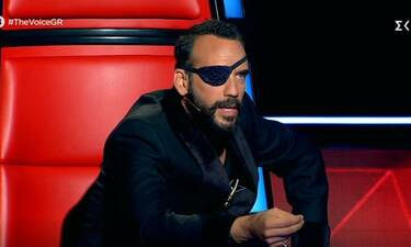 The Voice: Ο επαγγελματίας τραγουδιστής και η επική ατάκα του Μουζουράκη!
