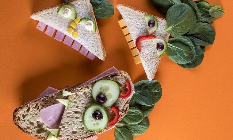 Τρομακτικά σάντουιτς από τον Άκη Πετρετζίκη!