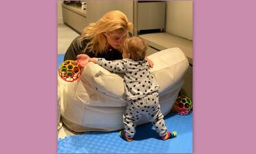 Τζένη Μπότση: Θα λιώσετε! Με την 11 μηνών κόρη της στο κομμωτήριο