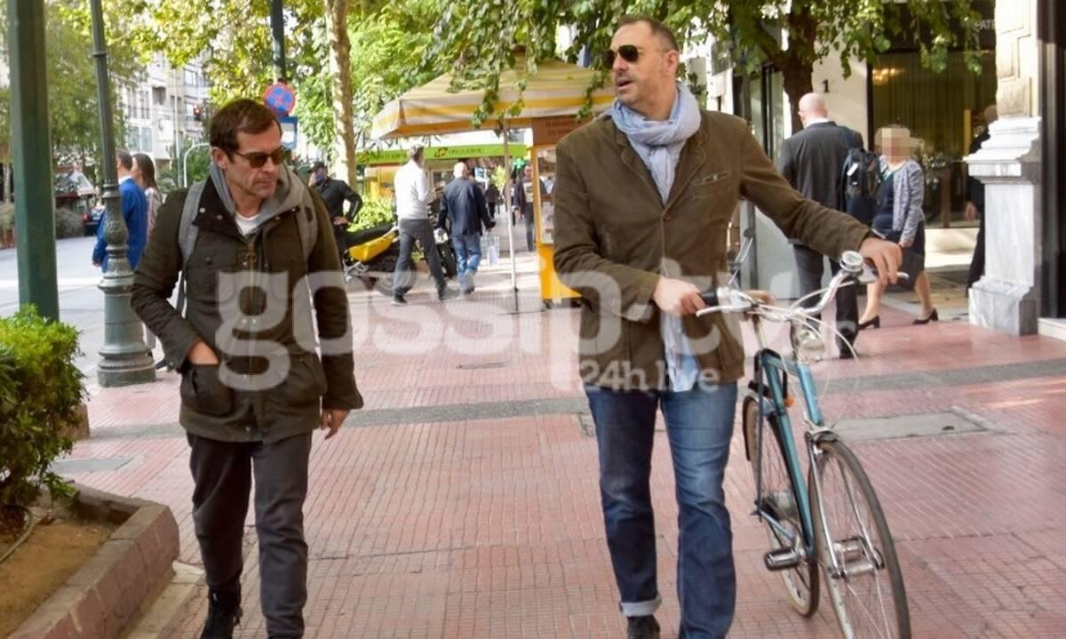 Κωνσταντίνος Μαρκουλάκης: Η βόλτα με το φίλο του πριν το lockdown! (phtos)