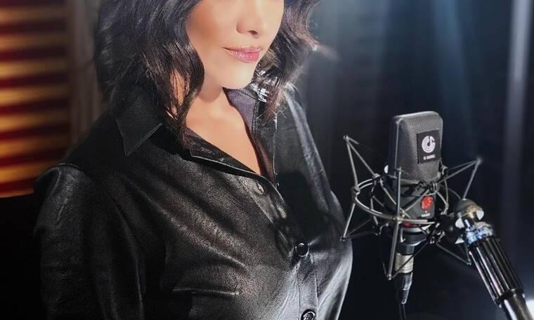 Το Make Over Eλληνίδας τραγουδίστριας: Άλλαξε όνομα και εμφάνιση και κάνει comeback