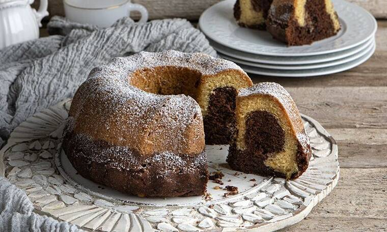 Το πιο αφράτο και νόστιμο κέικ βανίλια σοκολάτα από τον Άκη Πετρετζίκη!