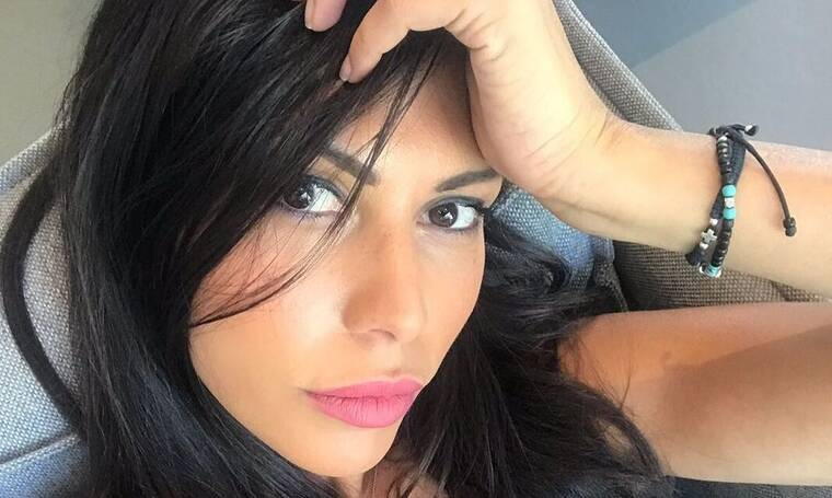 Ιωάννα Μπούκη: Και το σπίτι της στόλισε και μελομακάρονα έφτιαξε η σύζυγος του Σρόιτερ