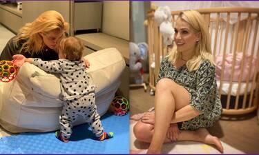 Τζένη Μπότση: Θα λιώσεις! Δες την ενός έτους κόρη της, Αλίκη να τρώει μόνη της!