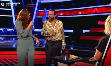 The Voice: Η επική ατάκα παίκτριας στον Μουζουράκη: «Καλός είσαι, τρώγεσαι»