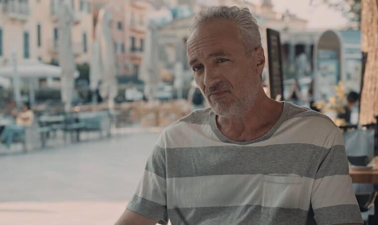 8 λέξεις: Ο Νικηφόρος γυρίζει στην Αθήνα κάνοντας έκπληξη (video)