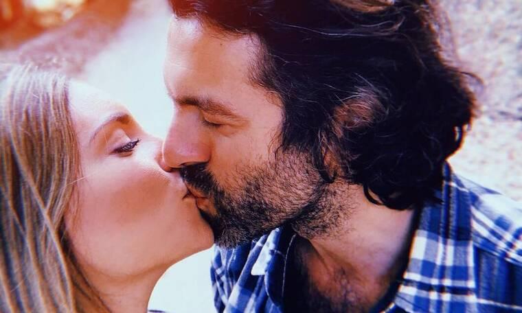 Οικονομάκου - Μιχόπουλος: Είναι ερωτευμένοι! Οι τρυφερές στιγμές τους!