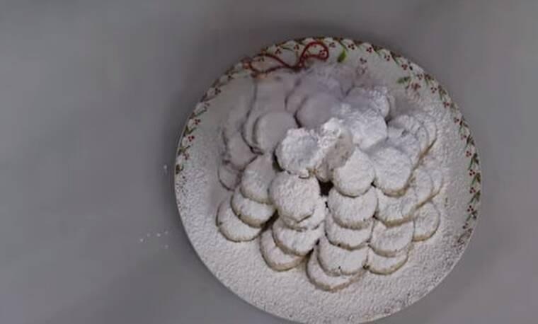 Παραδοσιακοί κουραμπιέδες από τον Άκη Πετρετζίκη!