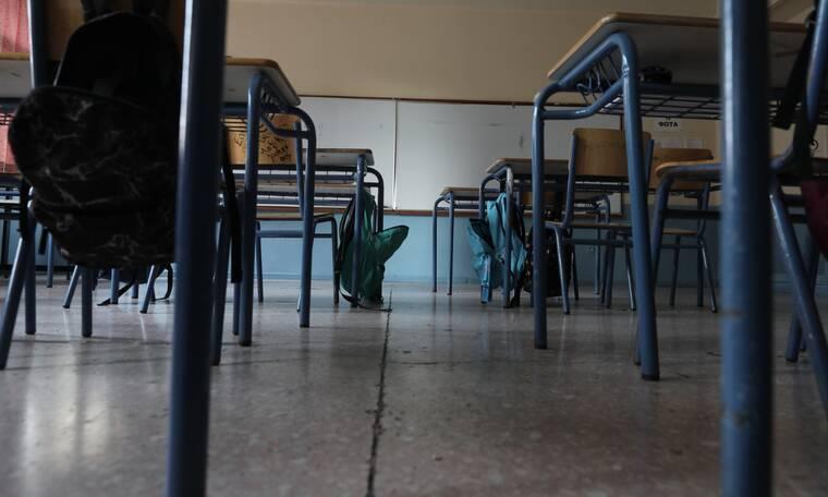 Δημοτικά σχολεία: Γιατί διαφωνούν οι ειδικοί για το άνοιγμά τους