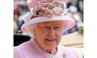 Δεν τη λες και ανοιχτοχέρα! Πόσα ξοδεύει η βασίλισσα Ελισάβετ για χριστουγεννιάτικα δώρα;