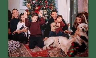 Ρουβάς - Ζυγούλη: Ο εντυπωσιακός στολισμός του χριστουγεννιάτικου δέντρου με τα παιδιά τους!