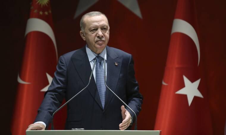 Αυτή είναι η Δημοκρατία του Ερντογάν: Έριξε «μαύρο» σε ένα από τα μεγαλύτερα τηλεοπτικά δίκτυα