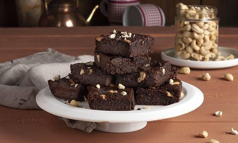 Brownies με γλυκοπατάτα από τον Άκη Πετρετζίκη!