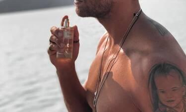 Γνωστός Έλληνας συνεχίζει τα μπάνια στη θάλασσα κι ας είναι... Δεκέμβρης!