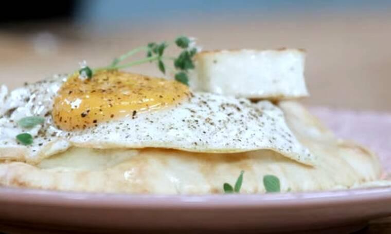 Κυπριακά αβγά φλωρεντίν από τον Άκη Πετρετζίκη!