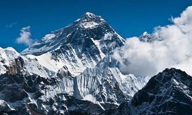Το Έβερεστ έχει πλέον μεγαλύτερο υψόμετρο από παλιά