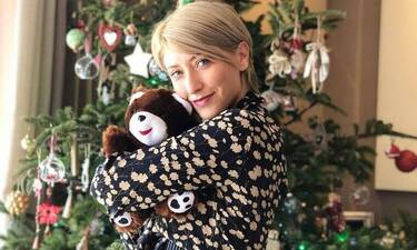 Κοσιώνη: Το Χριστουγεννιάτικο δέντρο της είναι παραμυθένιο! Δες πώς το έχει στολίσει