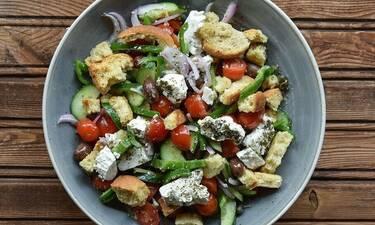 Πόσες θερμίδες έχουν τα διάσημα ελληνικά φαγητά;