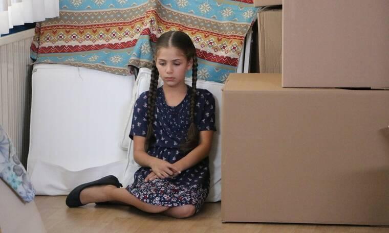 Elif: Η μικρούλα προσπαθεί να το σκάσει αλλά δεν τα καταφέρνει