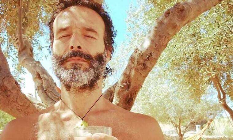 Θανάσης Ευθυμιάδης: Πήγε για μπάνιο και εξομολογήθηκε: «Το κρύο τσούζει το δέρμα μου»