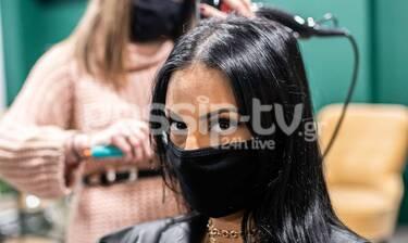 Ποια κρύβεται πίσω από τη μάσκα; (photos)