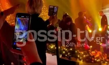 J2US: Η Σοφία Καρβέλα παρακολουθούσε το live με βιντεοκλήση και έχουμε αποδείξεις!