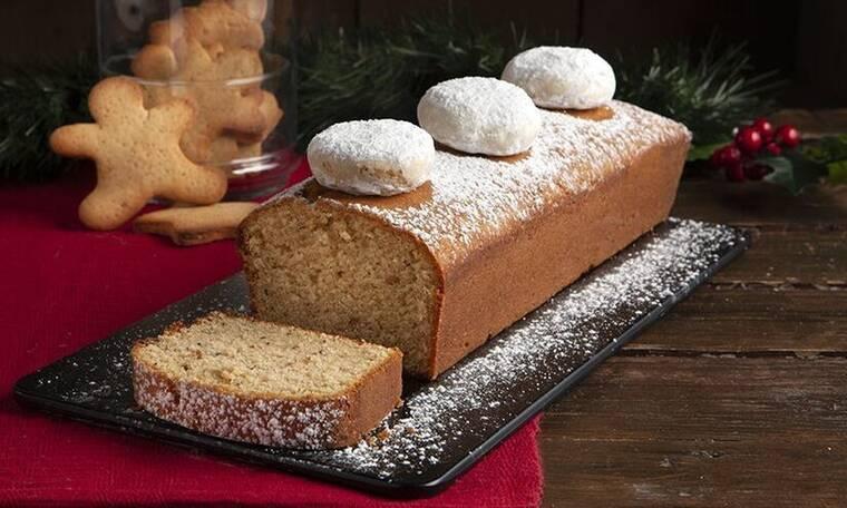Ένα διαφορετικό κέικ με κουραμπιέδες από τον Άκη Πετρετζίκη που θα σε ξετρελάνει!
