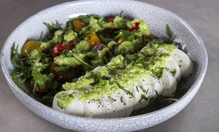 Σαλάτα με πέστο αρακά από τον Πετρετζίκη!