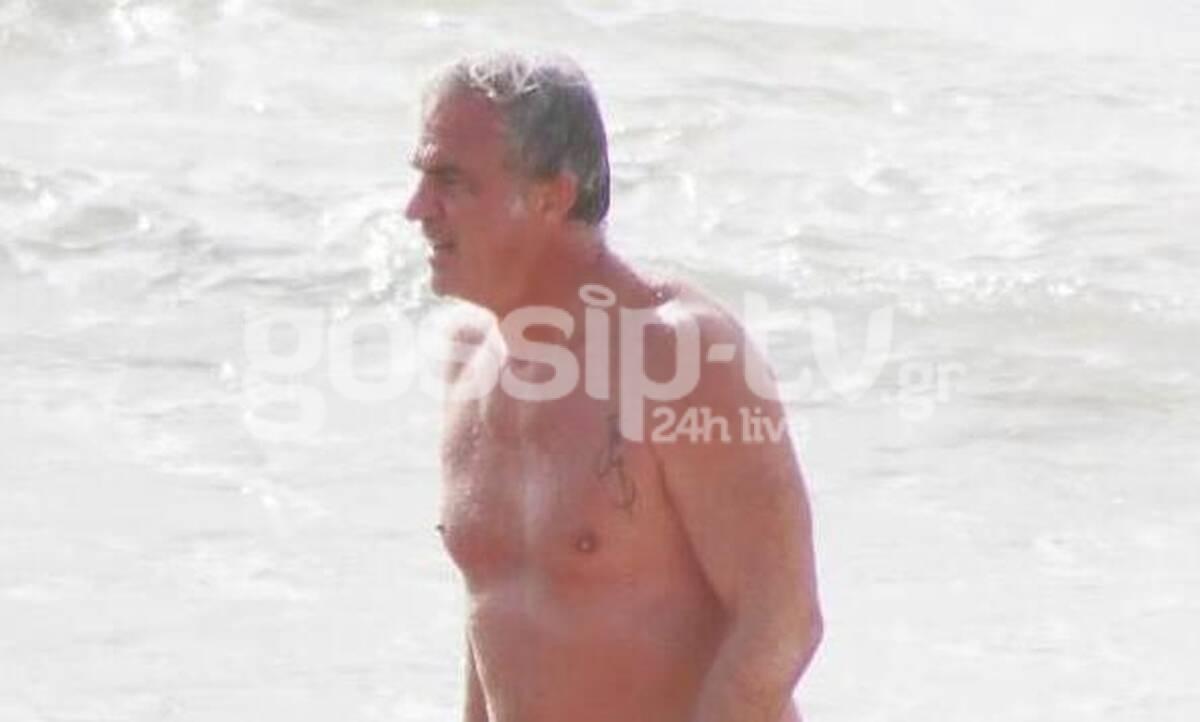 Δημήτρης Αργυρόπουλος: Δείτε τον να κάνει μπάνιο στη θάλασσα, Δεκέμβρη μήνα!