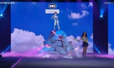 Madwalk 2020: Εντυπωσίασε η φετινή εκπρόσωπος της Κύπρου στην Eurovision Έλενα Τσαγκρινού
