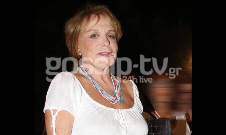 Μπέτυ Αρβανίτη: Είναι σούπερ γιαγιά! Παίζει κουκλοθέατρο με θεατή τον… εγγονό της!