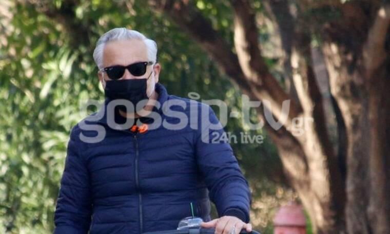Χάρης Χριστόπουλος: Το στολισμένο καρότσι του γιου του έχει γίνει viral!